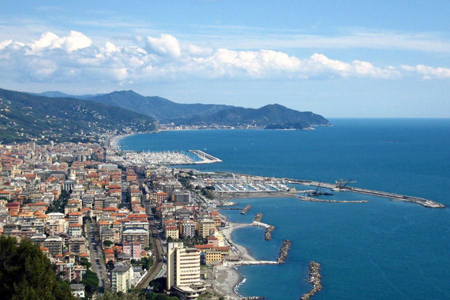 Chiavari, Tigullio Gulf - Reserve your hotel in Liguria